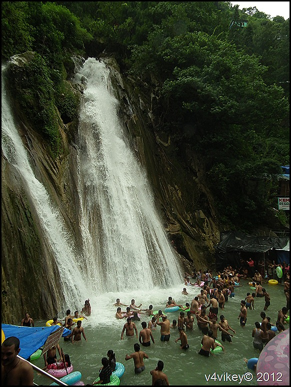 Kempty Falls in Mussoorie Photographs
