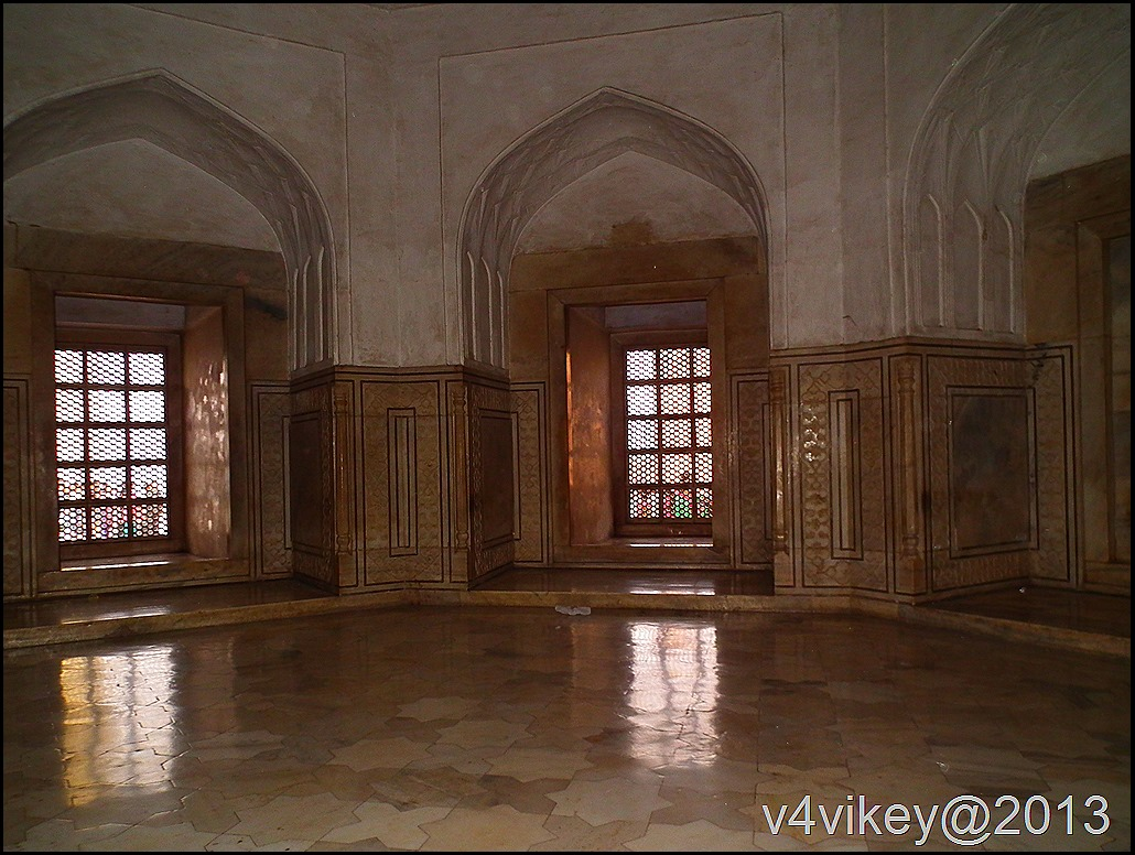 Taj mahal from Inside