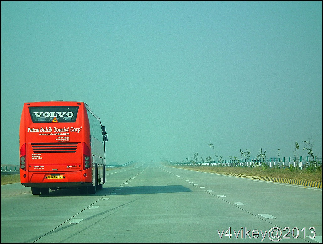 National Highway (Yamuna Express Highway) to Agra (Tajmahal)