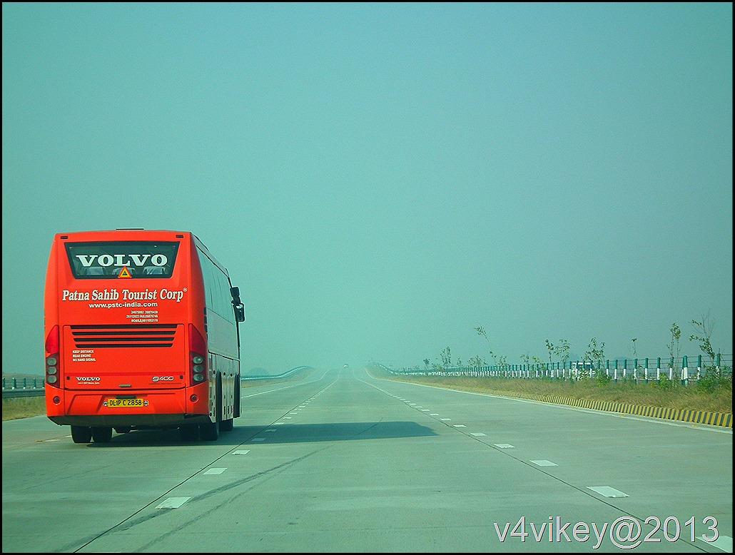 National Highway (Yamuna Express Highway) to Agra (Tajmahal)
